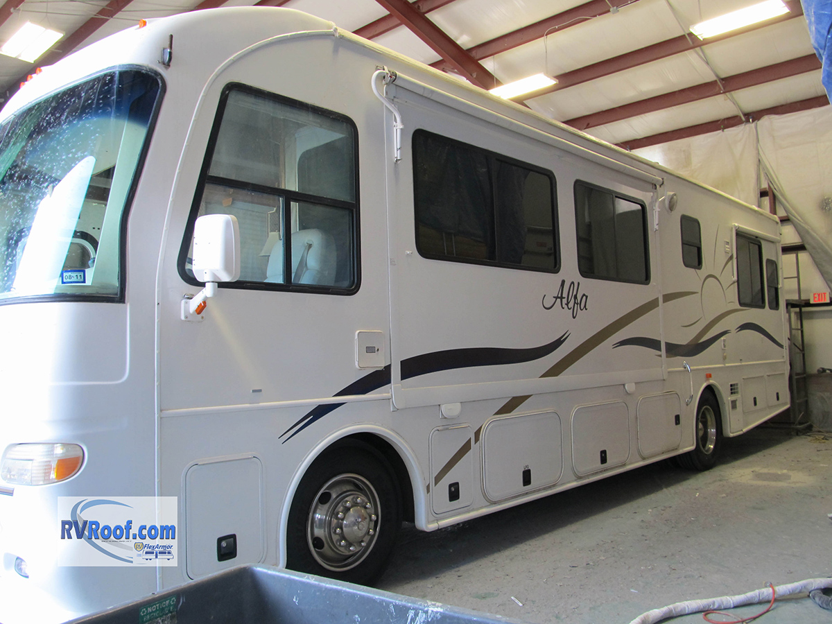 Sprayed-RV-roof-RV-FlexArmor-0504