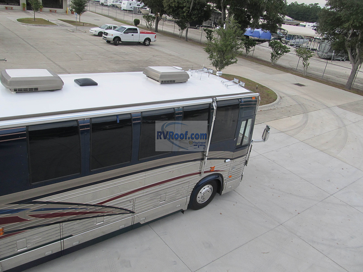 Prevost-motorhome-with-lifetime-no-leak-guaranteed-sprayed-rv-roof-FlexArmor
