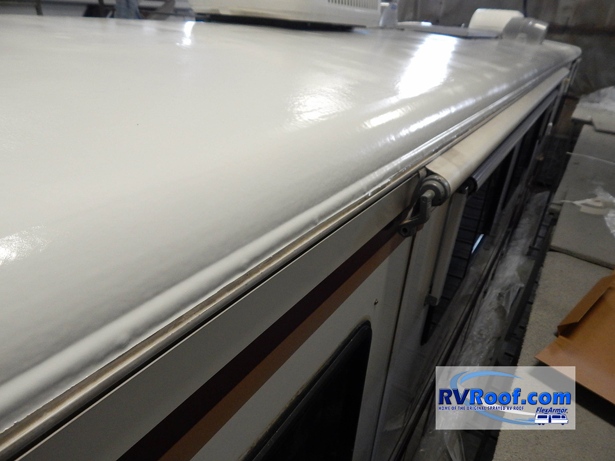 Rolled-aluminum-radius-on-motorhome-covered-with-FlexArmor