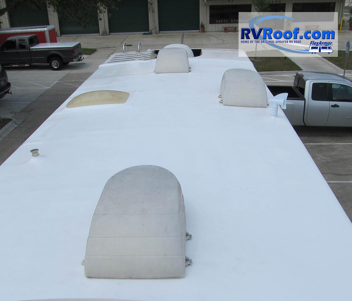Sprayed-RV-roof-RV-FlexArmor-1484