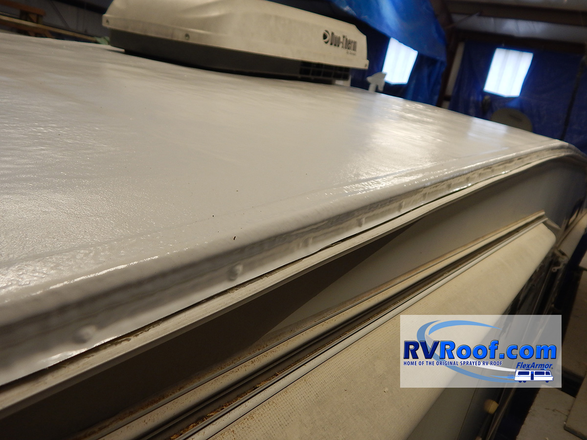 Side drip rail FlexArmor RV roof