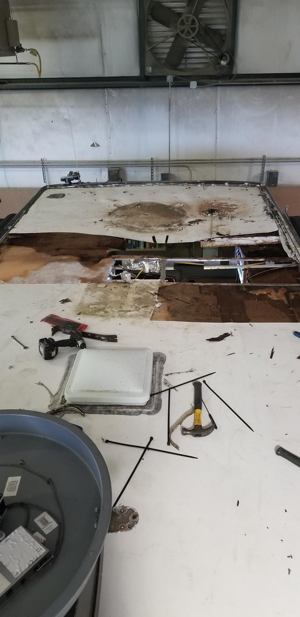 Vacuum Bonded Roof Can Your Rv Roof Be Repaired